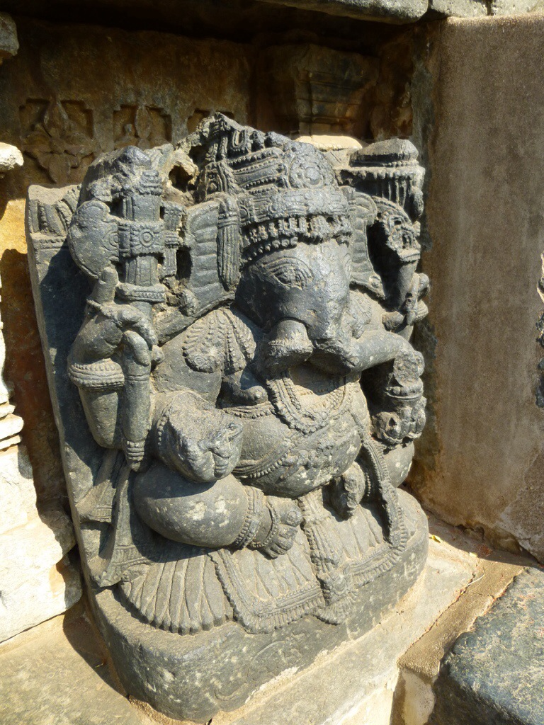 Ganesha (Halebidu, India) | kitchenoperas.com