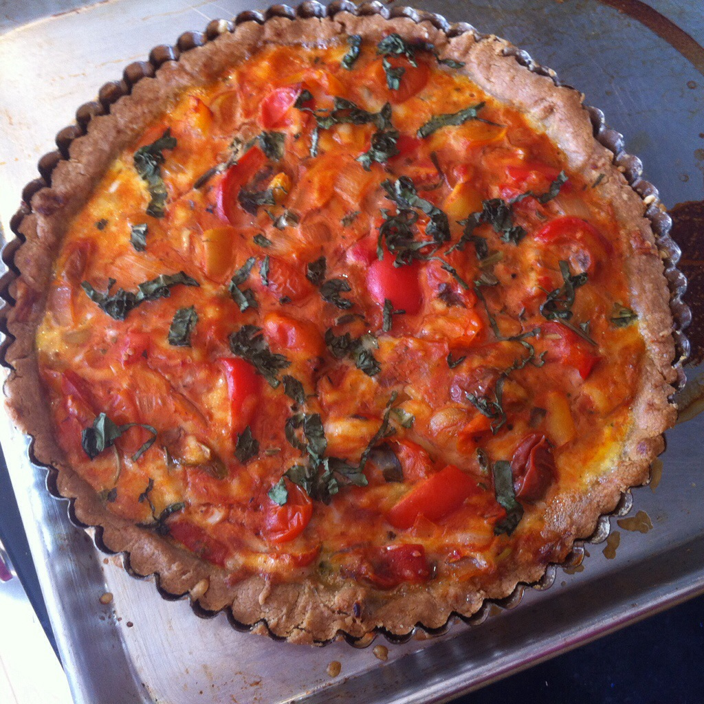 Gluten-Free Roasted Tomato, Red Pepper & Gruyère Tart (a.k.a. Pizza Tart) | kitchenoperas.com