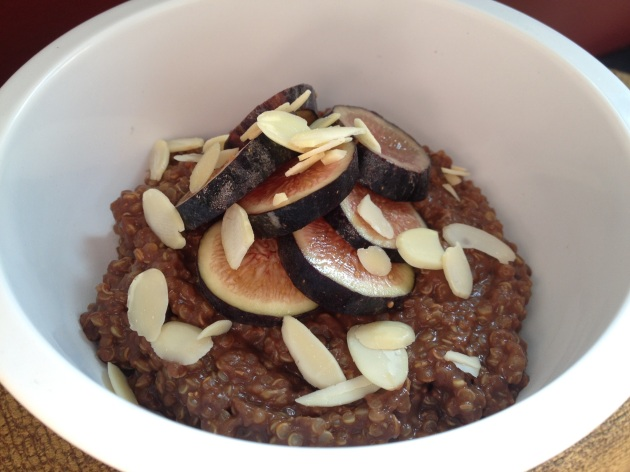 Chocolate Quinoa Porridge | kitchenoperas.com
